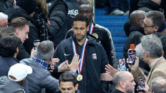 Neymar Jr Appears to Punch Fan After Tough Loss