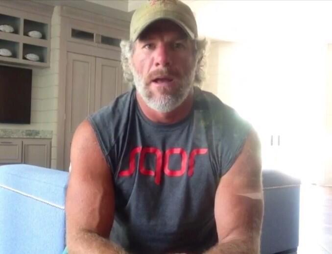 Brett Favre Announces His NFL Comeback on Instagram