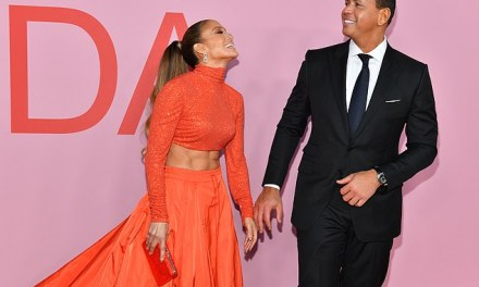 Alex Rodriguez and Jennifer Lopez Pack on the PDA at the 2019 CFDA Fashion Awards