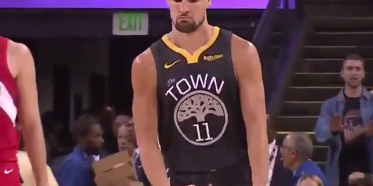 "Klay Thompson Broke Out Sam Cassell's ""Big Balls"" Celebration after Hitting a Jumper"