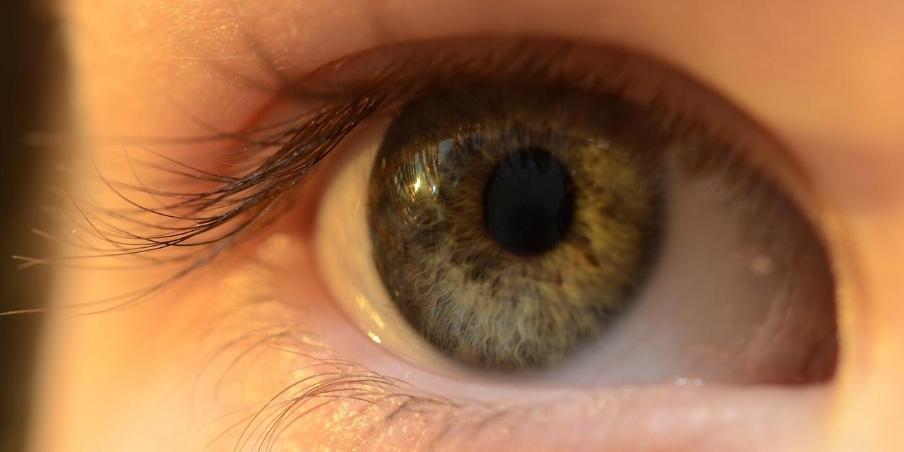 What sportspersons need to know about wearing contact lenses