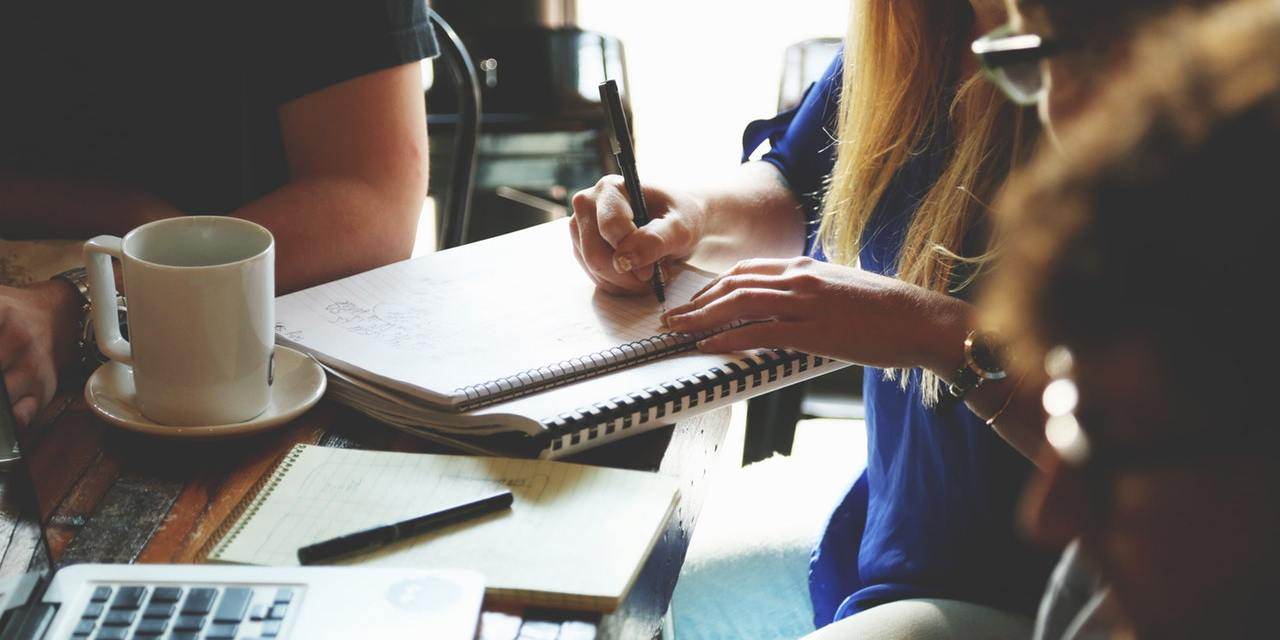 How to Start Online Essay Writing Projects with Low Investment