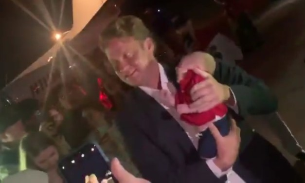 Lane Kiffin Handed a Baby and Told to Get a Burner Phone When He Arrived at Ole Miss