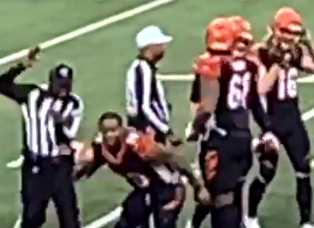 Joe Mixon Knocked a Referee Down With His Helmet Celebrating the Bengals Win