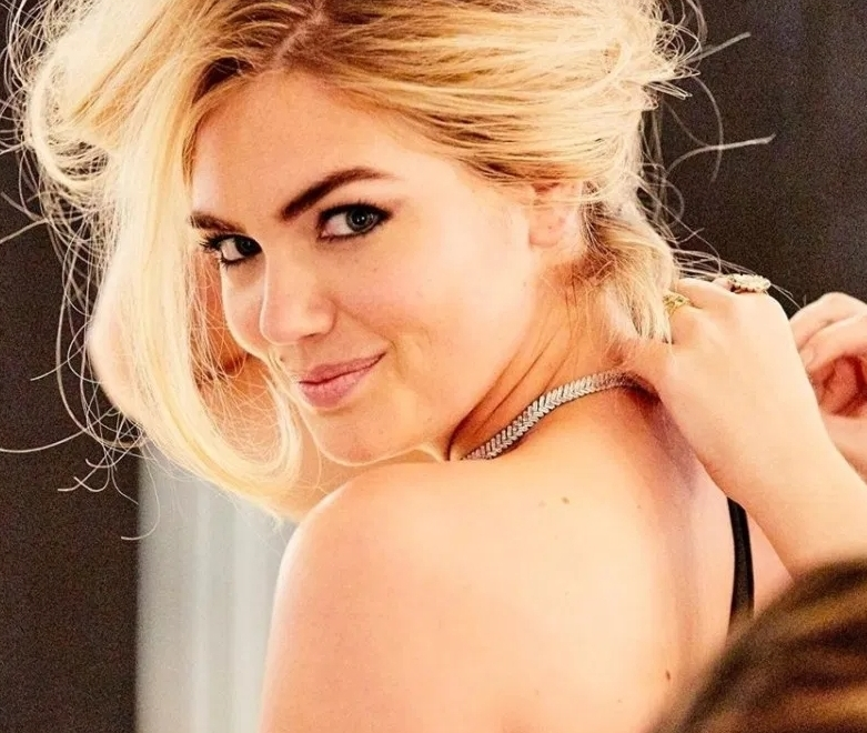 Kate Upton Accessorized Her Revealing Activewear With Diamonds