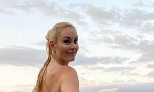 Lindsey Vonn Shows off Her Strong Bikini Beach Body
