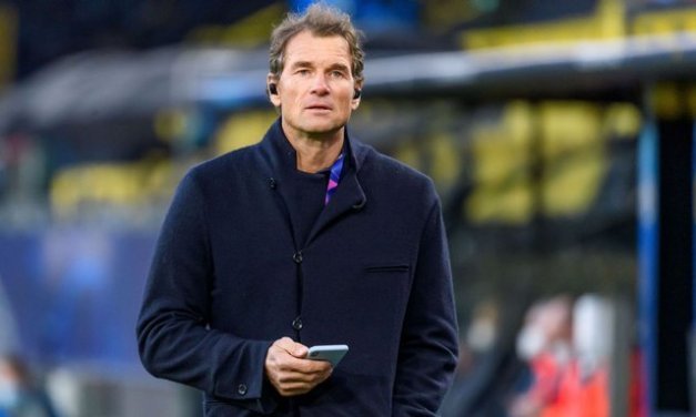 Arsenal legend fired by Hertha for racist message