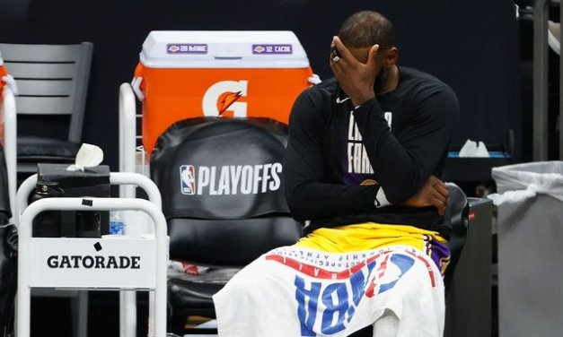 Blowout loss puts Lakers 1 loss from early exit