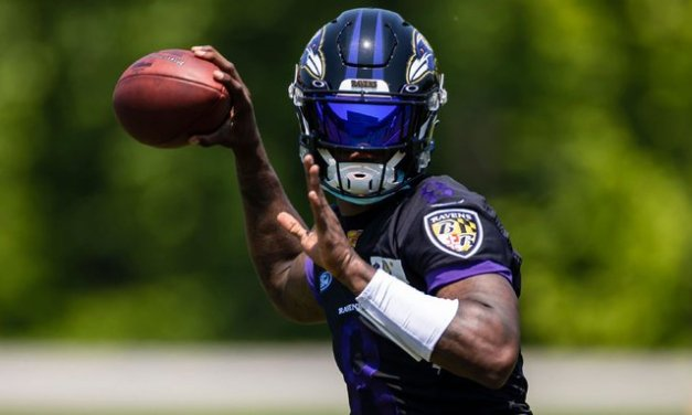Sources: Ravens' Jackson out with COVID issue