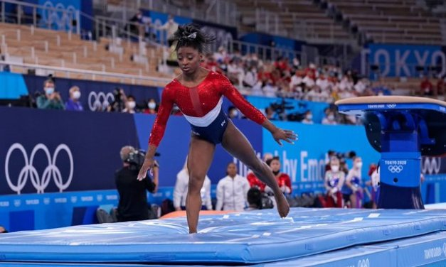 Biles plagued by 'twisties,' says she's not in sync