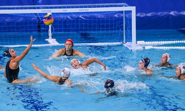 U.S. water polo briefly makes history in blowout