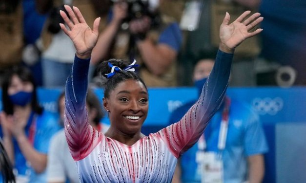 Biles wins bronze in return: 'Doing this for me'