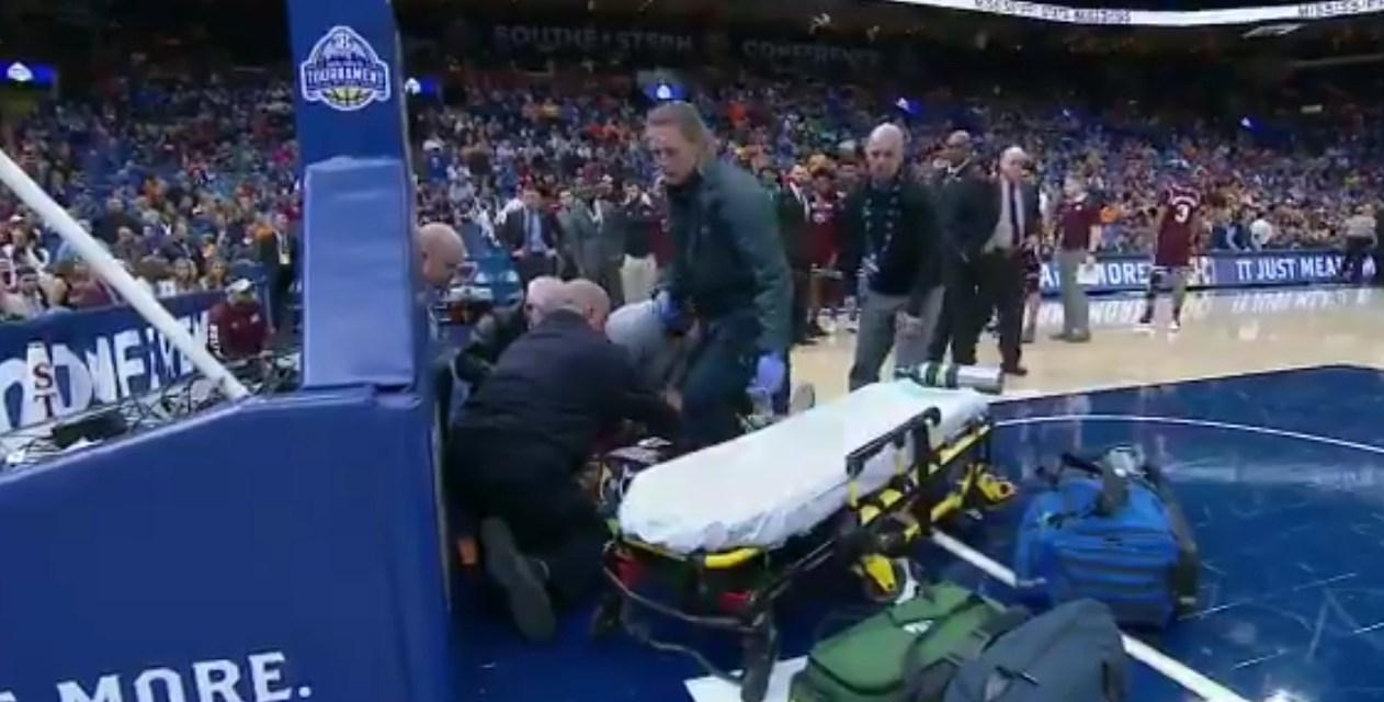 Mississippi State's Nick Weatherspoon Stretchered Off The Court After Injuring His Neck