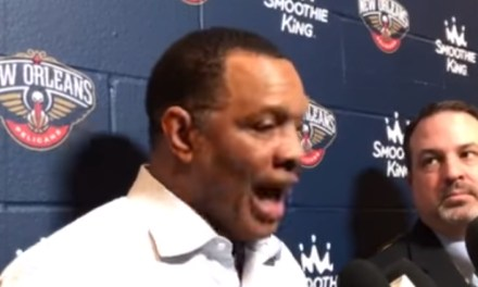 Alvin Gentry heated about lack of foul calls