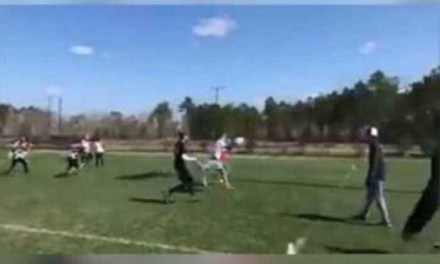 This Frisbee Player Drops a Dime Using his Foot