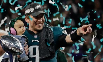 Nick Foles Gets a New Contract from the Eagles