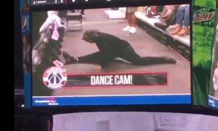 DeMar DeRozan's Priceless Reaction To Female Dancing Usher Doing Splits