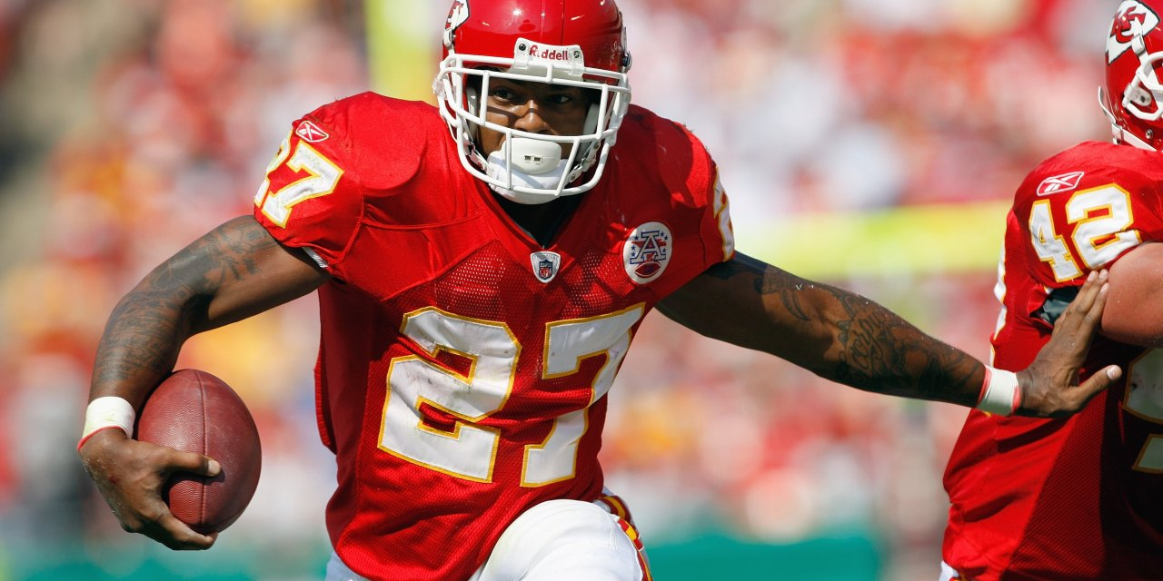 The Kansas City Chiefs Reminded Larry Johnson of an Uncashed Check from 2010