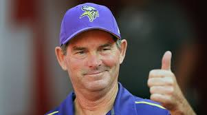"Vikings Head Coach Mike Zimmer Led a ""Skol"" Chant at Kenny Chesney Concert"