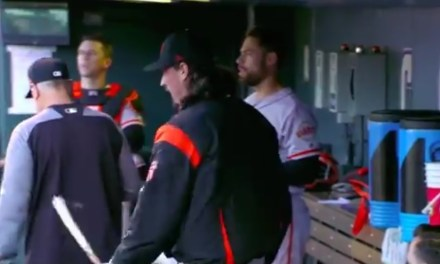Jeff Samardzija Snapped a Bat Over his Knee After Leaving Game with Shoulder Tightness
