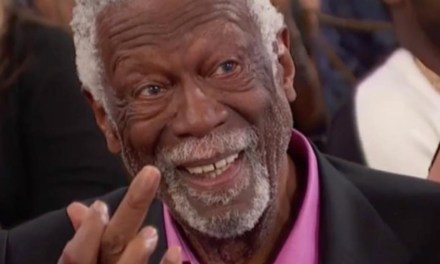 Bill Russell Flipped Charles Barkley Off During NBA Awards Ceremony