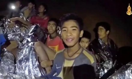 All 12 Thai Boys and Coach Rescued from Cave
