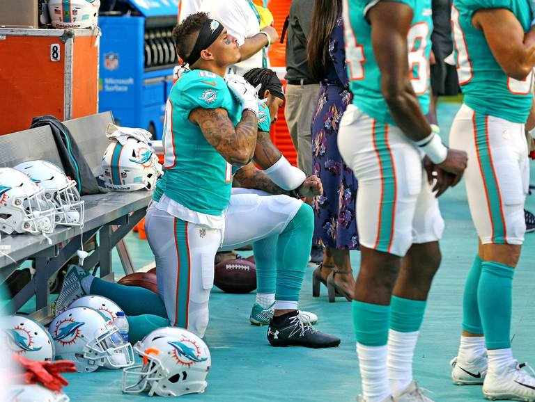 Dolphins and Eagles Players Protest During the National Anthem, Won't Be Disciplined