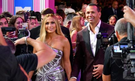 J-Lo Gave Alex Rodriguez a Heartfelt Tribute in Her MTV VMA Vanguard Award Speech