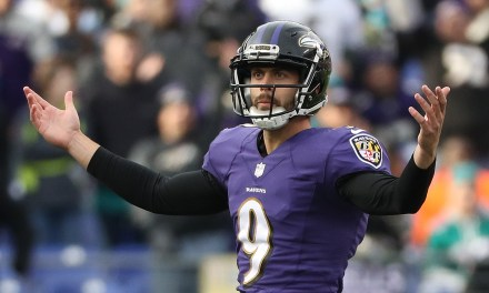 Justin Tucker Has an Important PSA: Change the Batteries in Your Wireless Mouse