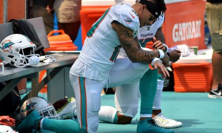 Kenny Stills and Albert Wilson First Players in Week 1 to Kneel During Anthem