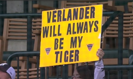 Justin Verlander Receives a Standing Ovation in Return to Detroit