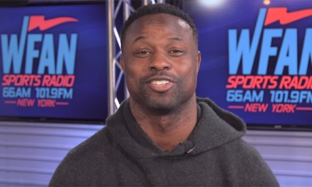 Bart Scott and Jets Reporter Trade Shots on Twitter