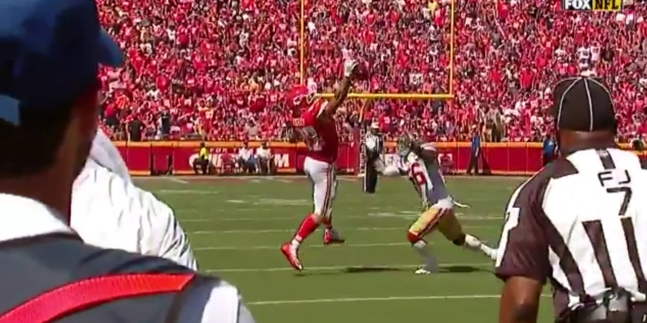 Travis Kelce Made a Ridiculous One-Handed Catch