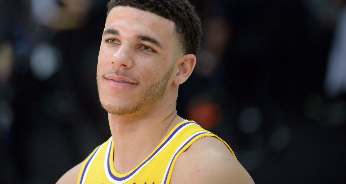 Lonzo Ball Shows Off New Muscles at Lakers Media Day
