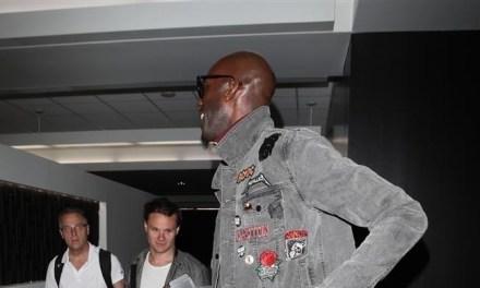 You Definitely Can't Miss Kevin Garnett Walking Through LAX