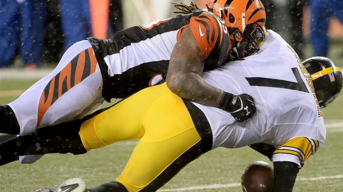 Ben Roethlisberger and Vontaze Burfict Have to Be Separated During Opening Drive