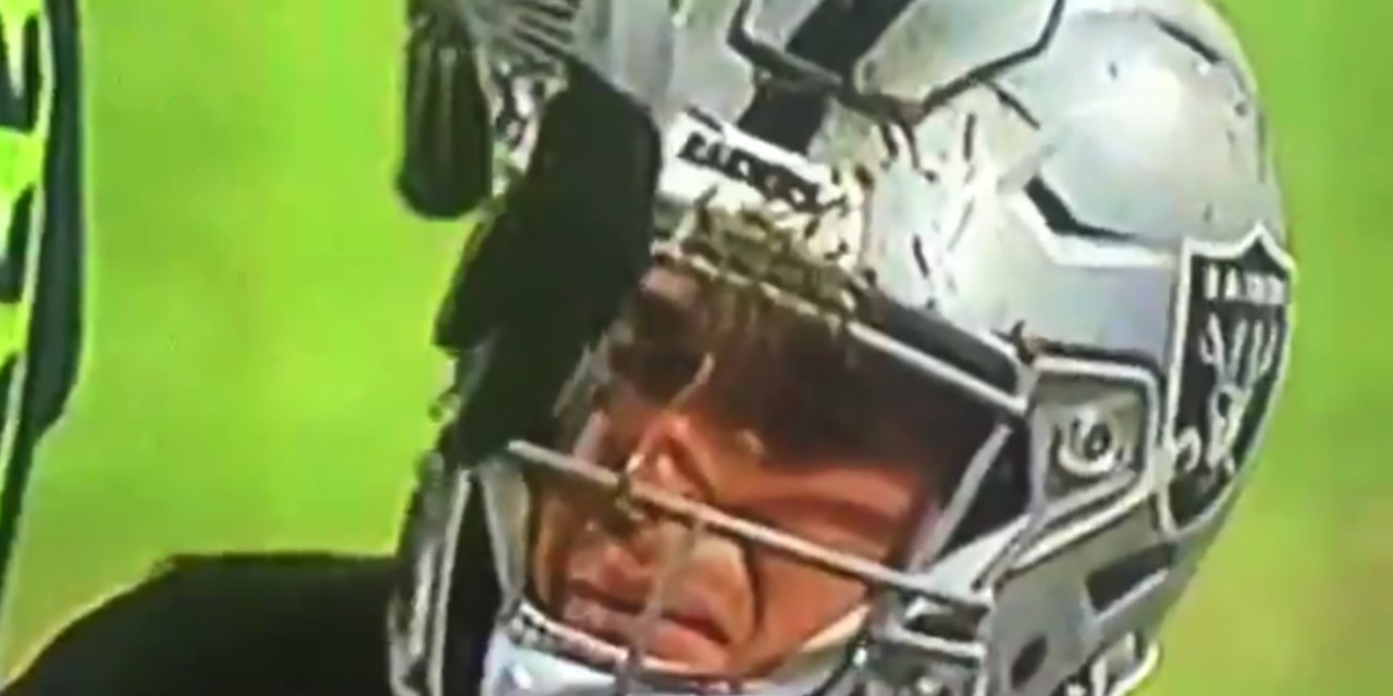 Raiders QB Derek Carr was Crying for His Mom Following a Sack