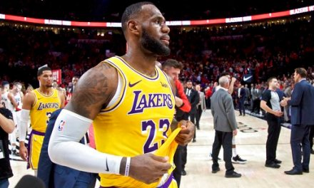 LeBron James Downplays Weight of Lakers' 0-3 Start