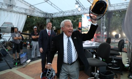 Lee Corso to Make Headgear Pick Before Saints-Rams