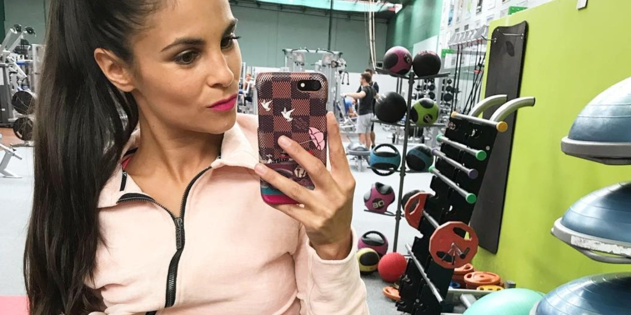 Hockey Trainer Karolina Huvarova to Serve as Interim Head Coach, The Most Brutal MMA KO of the Year & Khloe Talks about Tristan Thompson Cheating