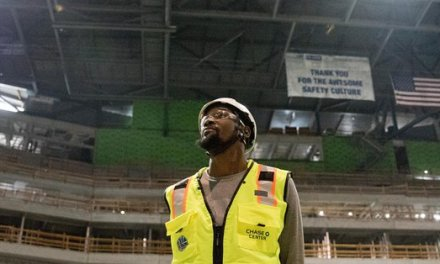 Kevin Durant Tours Chase Center But Stays Quiet on Future