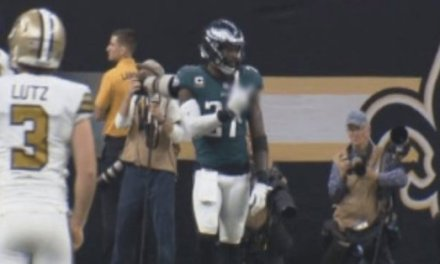 Eagles' Malcolm Jenkins Flips off His Former Coach Sean Payton