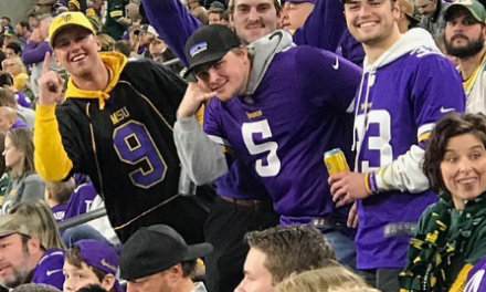 Vikings Fans Trolled Aaron Rodgers for Not Calling His Mom During California Wildfires