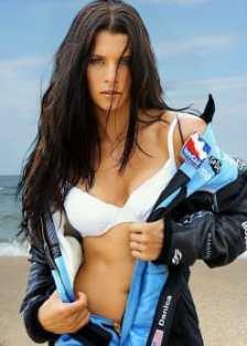 danica-patrick-looking-hot_MTYwNjI1NzkyMzcwNzQ2NTM5