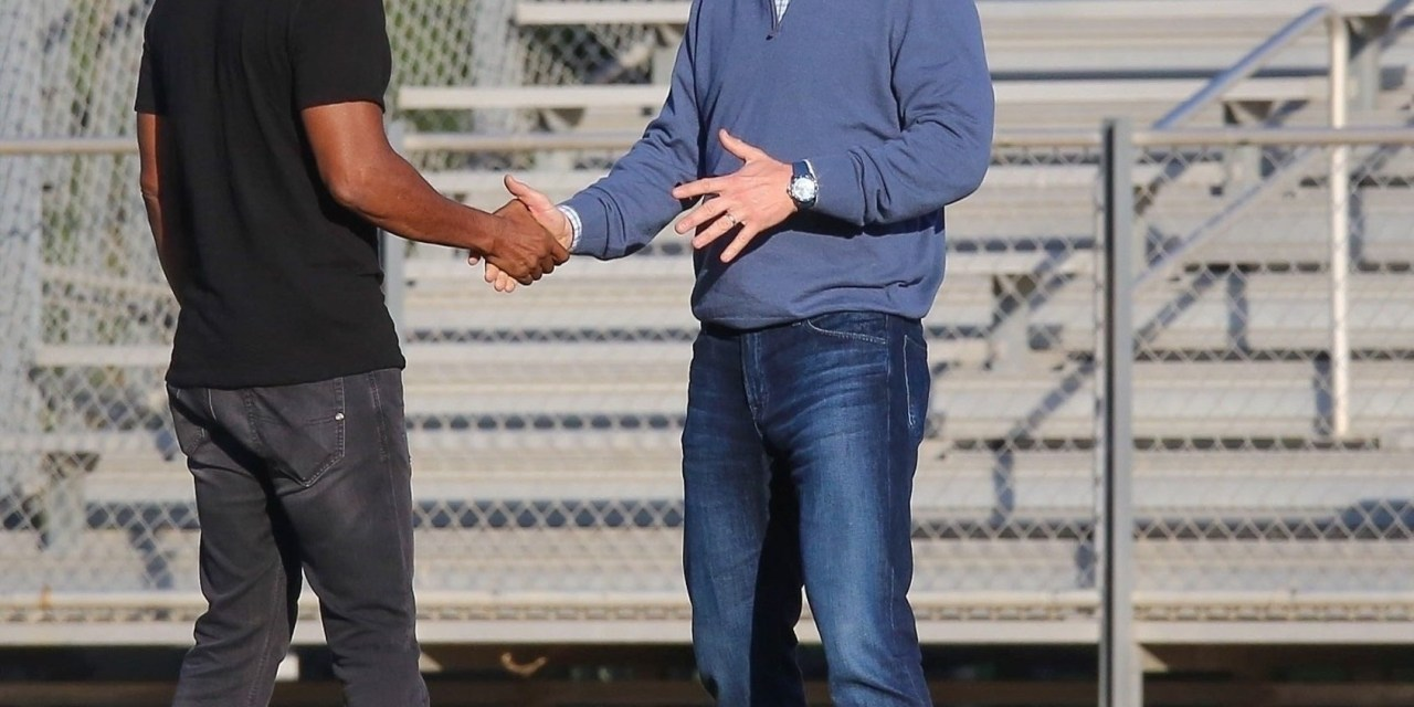Peyton Manning and Keenen Ivory Wayans Team up for Commercial