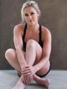 Lindsey-Vonn-hot-feet_MTYxNjk1OTA4OTczNzE3MTE3
