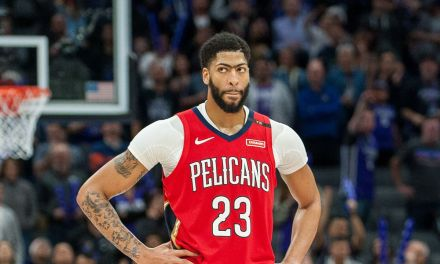Pelicans Fans Booed Anthony Davis during Player Introductions