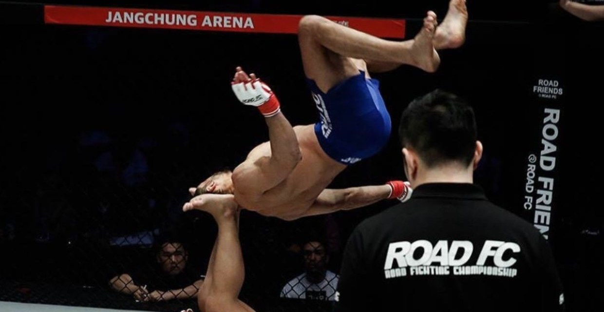 Brazilian Fighter Michel Pereira Stuns Fans With Crazy Moves