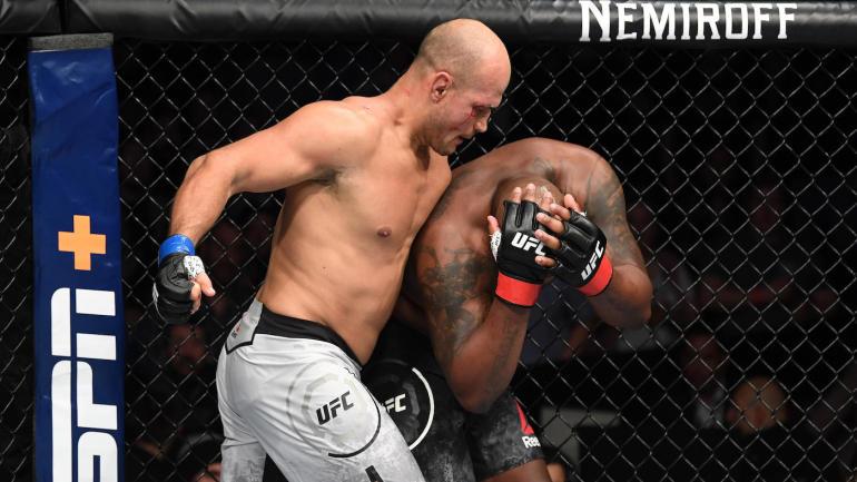 Junior Dos Santos TKO's Derrick Lewis With Beatdown at UFC Wichita