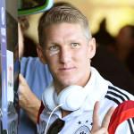 Schweinsteiger joins Manchester United